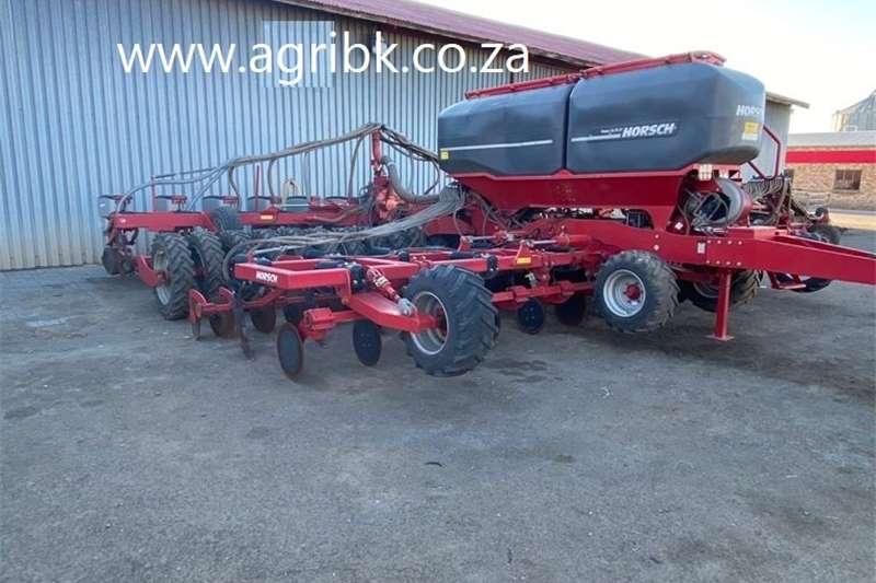 No till planters Horsch Focus 12.75 ST Planting and seeding equipment