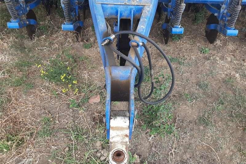 No till planters Kuhn Metasa PDM PG 1200 Planting and seeding equipment