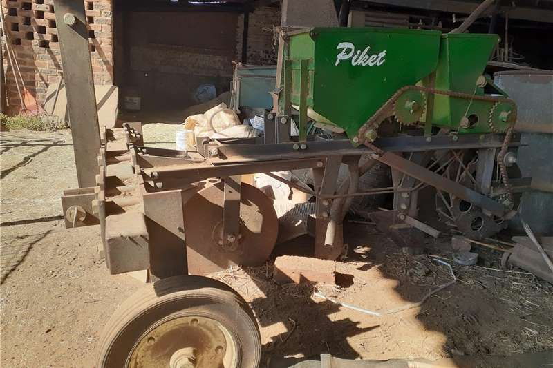 No till planters One row no till Piket maize and fine seed planter Planting and seeding equipment