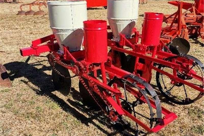 Row planters 2 Row maize planter Planting and seeding equipment