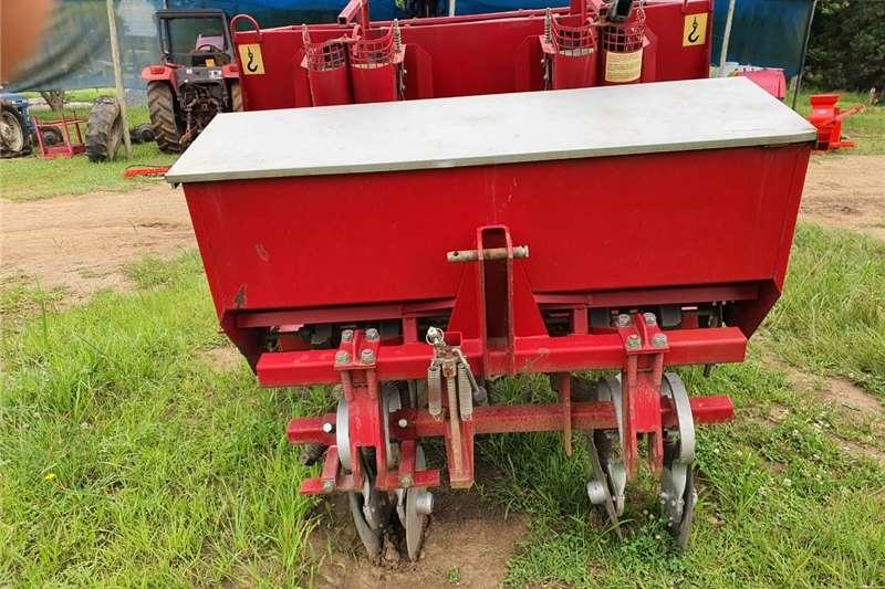 Row planters 2 Row Potato Planter Planting and seeding equipment