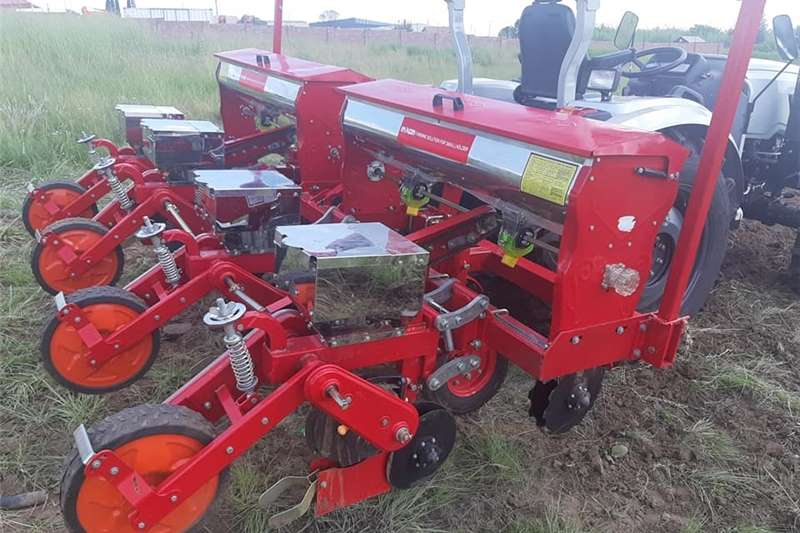 Row planters Maize/Bean Planters Planting and seeding equipment