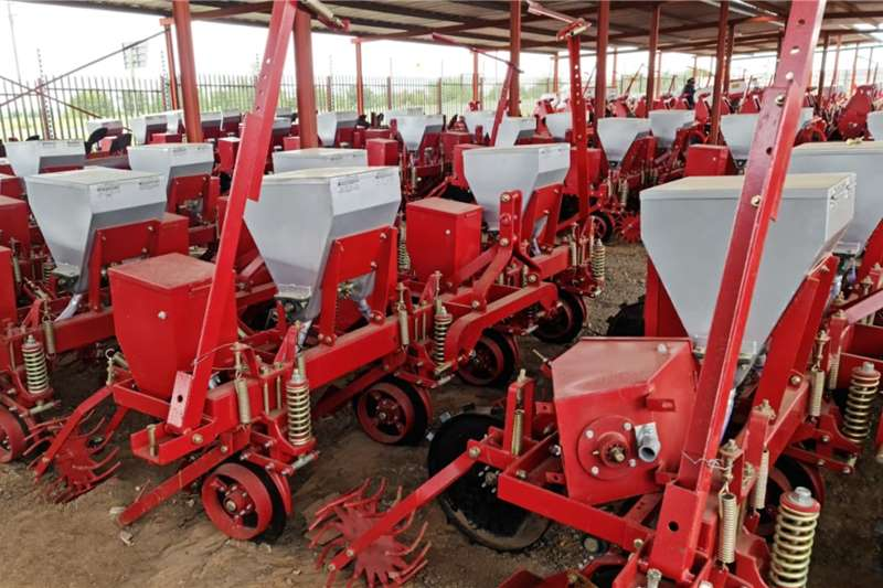Row planters New  4 row mechanical planters Planting and seeding equipment