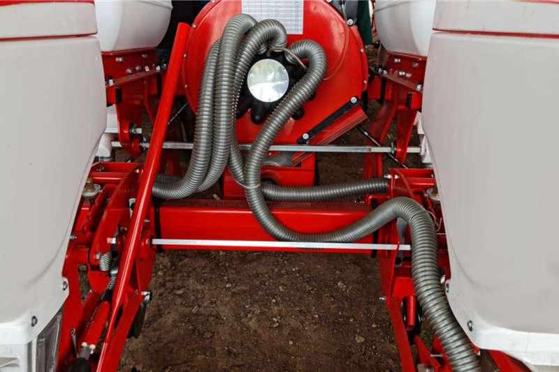 Row planters New 4 Row pneumatic precision planters Planting and seeding equipment