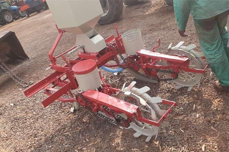 Row planters U Make 2 Row Planter Maize Planting and seeding equipment