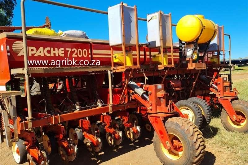 Seeders Apache 7200 Planting and seeding equipment