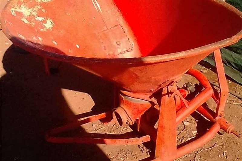 Seeders kunsmus strooier Planting and seeding equipment