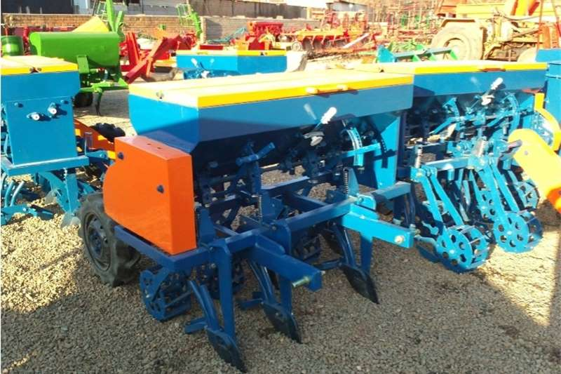 Planting and seeding Other planting and seeding S934 Blue Hippo 5 Row Wheat Planter New Implement