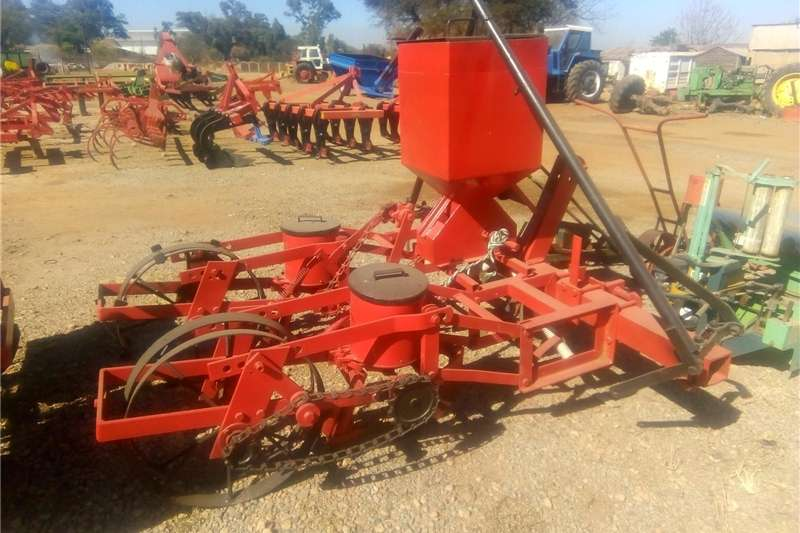 Planting and seeding Row units 2 Ry Mielie Planter