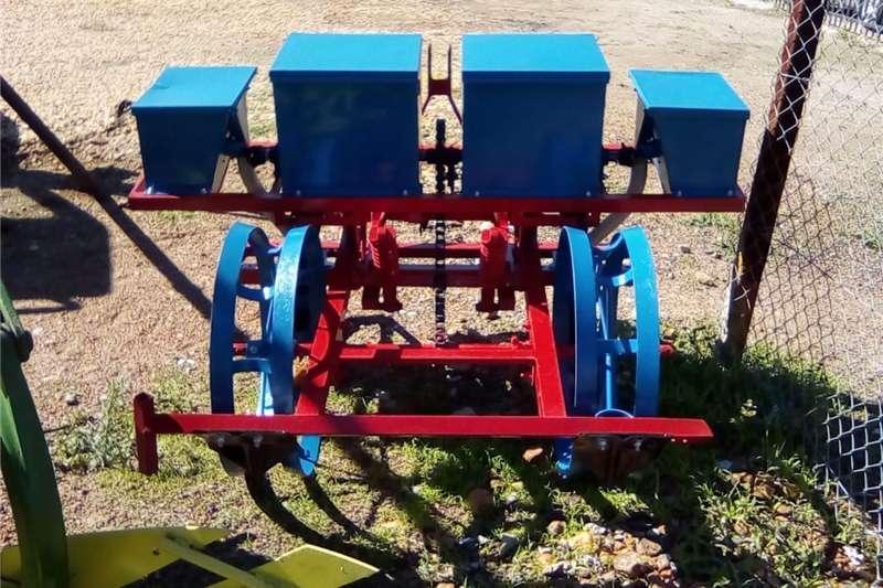 Row units Two row SA Wonder planter , maize planter , mielie Planting and seeding