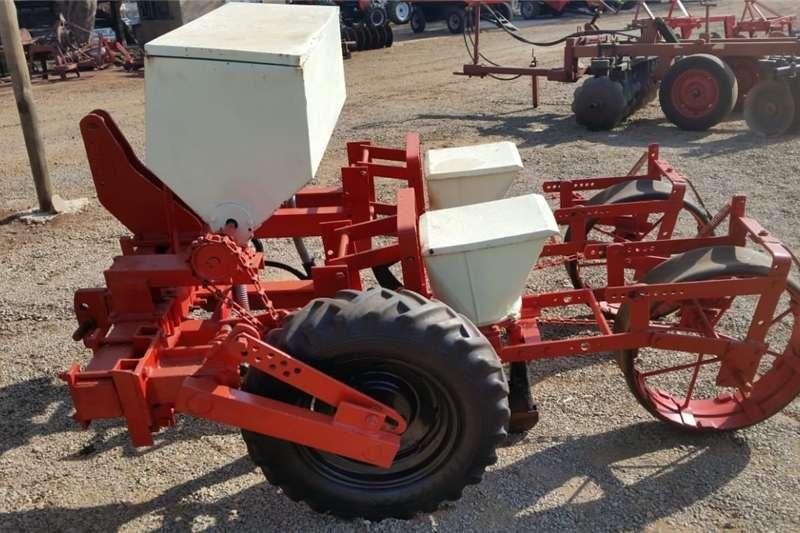 Planting and seeding Row units U Make 2 Row Maize / Mielie Planter Pre Owned Imp