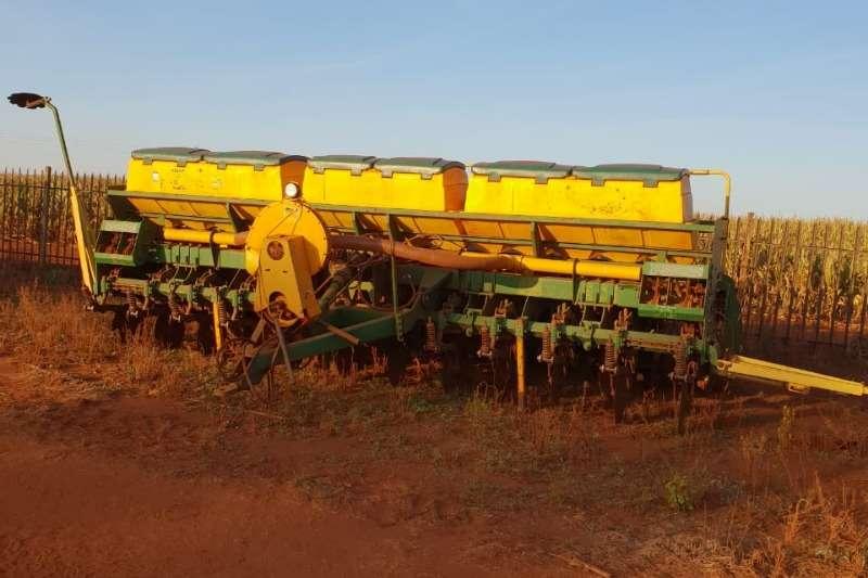Planting and Seeding Tatu No Till Planter 12ry 525mm