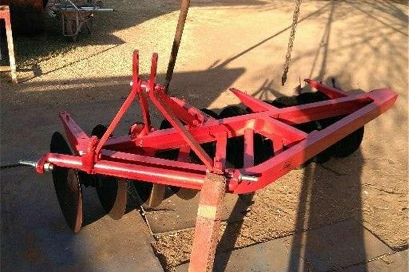 Ploughs Disc harrows 10 skottel oneway massey ferguson