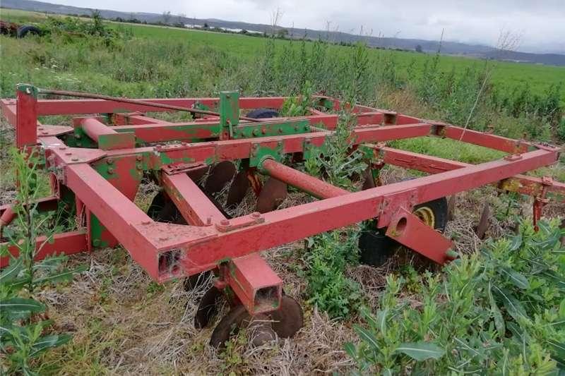 Ploughs Disc ploughs 28 Skottel Dis