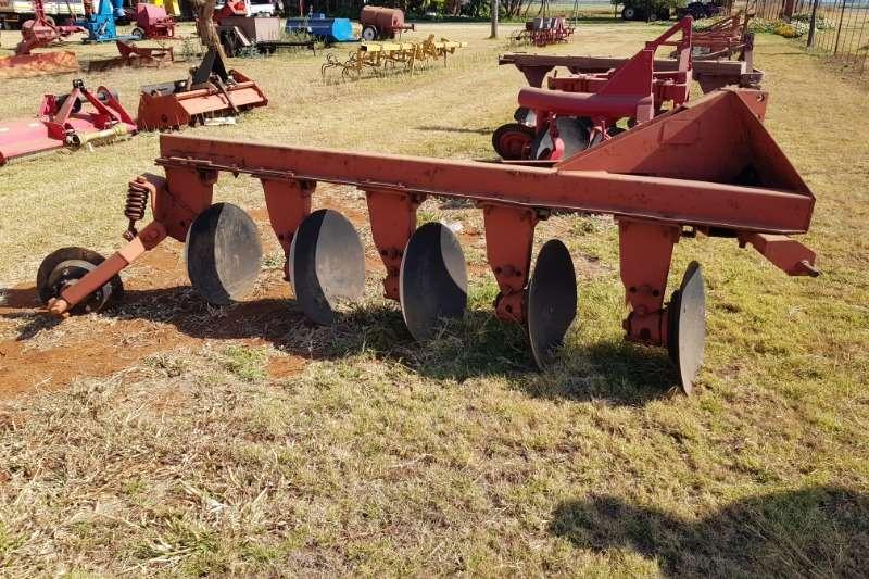 Ploughs Disc Ploughs 5 furrow disc plough / 5 skaar skottelploeg Vetsak