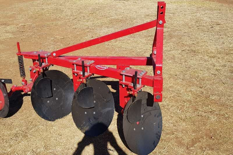 Disc ploughs New 3 furrow light duty disc plough Ploughs