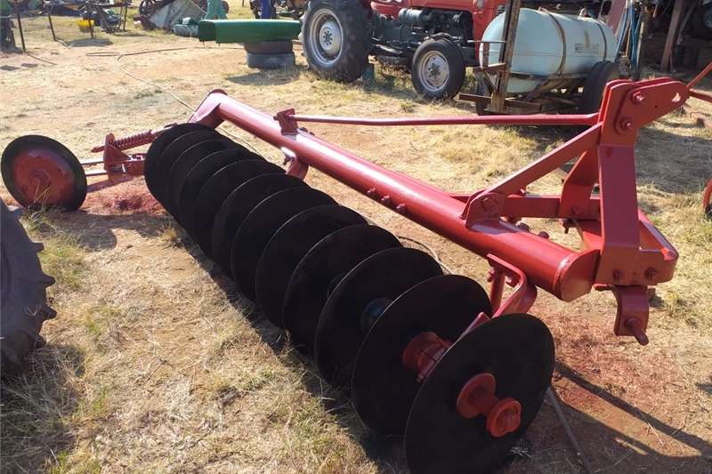 Ploughs Disc ploughs One way 12 Skottel swaardiens