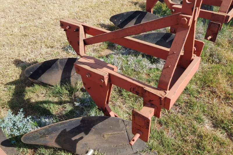 Mouldboard ploughs 2 furrow frame ploughs Ploughs