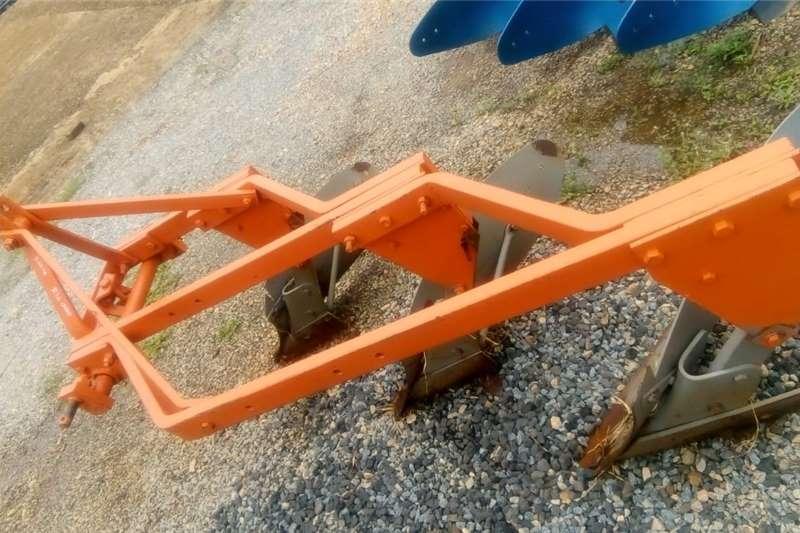 Ploughs Mouldboard ploughs 3 Skaar Raam Ploeg
