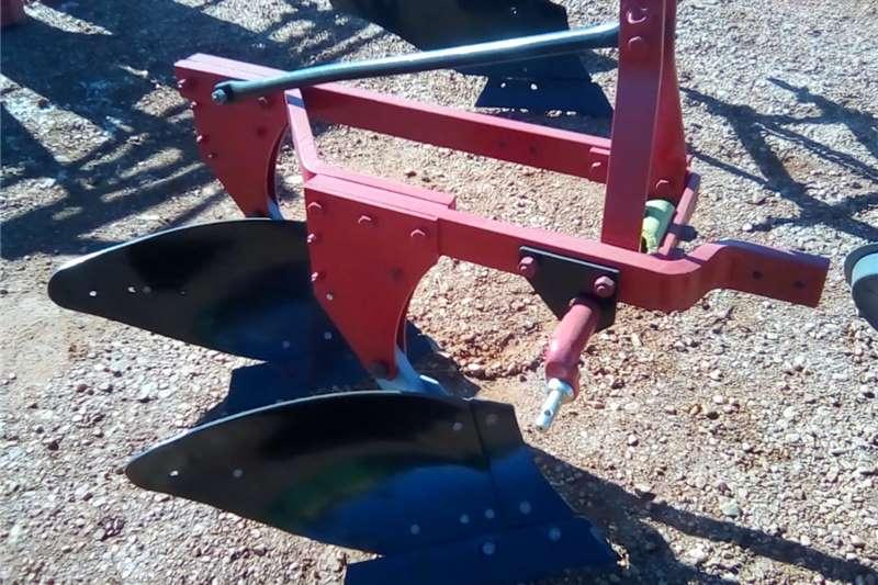 Ploughs Mouldboard ploughs Two shear mouldbord plough,twee skaar ploeg