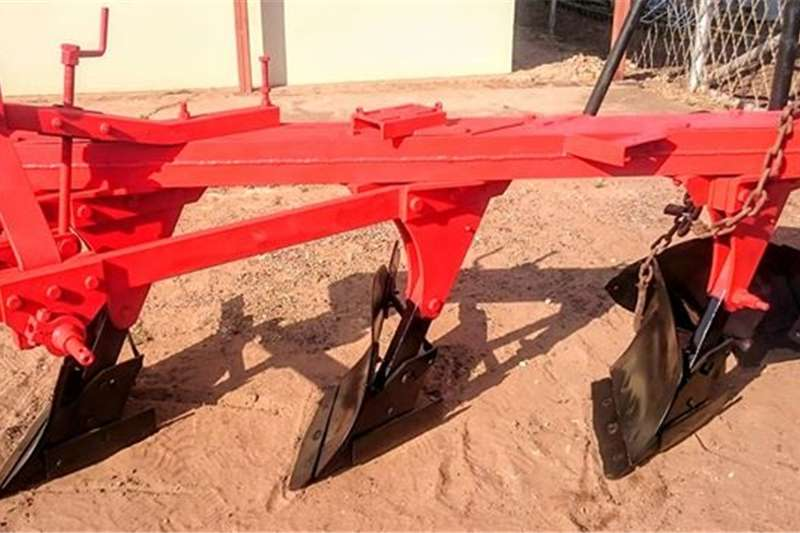 Ploughs Other ploughs 3 Furrow framed plough