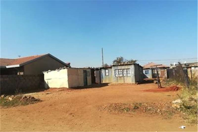 Property Vacant land 200 Sqm vacant land for sale in Moleleki.