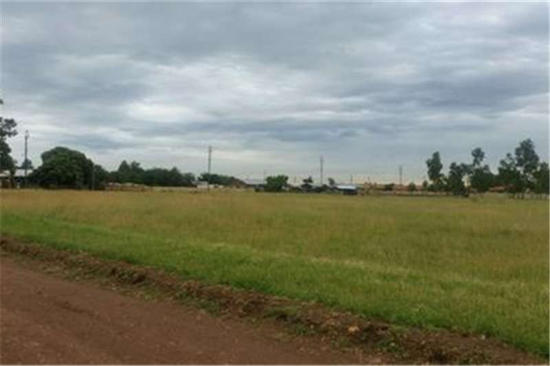 Property Vacant land Stand for sale!!