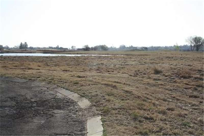 Vacant land Vacant land for sale on Golf Estate Property