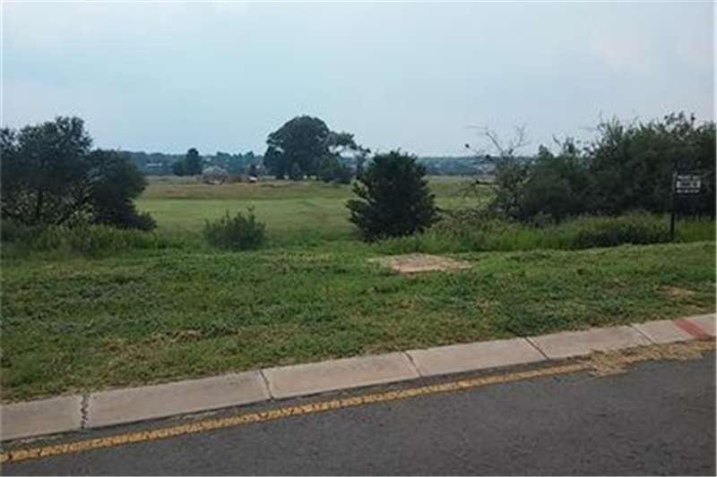 Vacant land Vacant land in secure River Estate Property