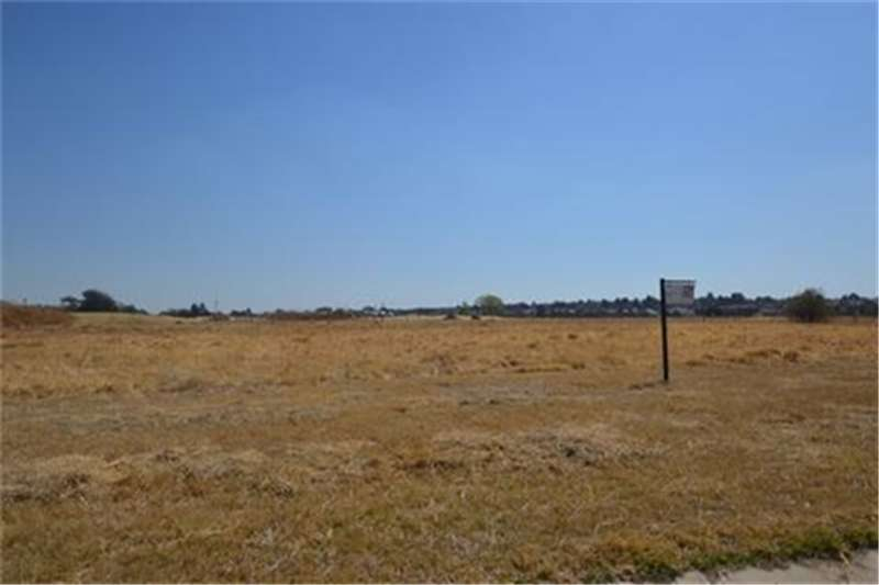 Vacant land Well situated 794sq stand at Heron bank River and Property