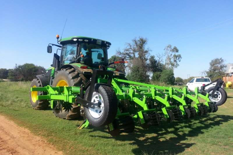 2020   Riptill / Striptill with Agrico T800 Tine