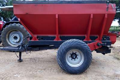 Rovic Trailed spreaders Rovic RF4500 strooier Flatrate Spreaders
