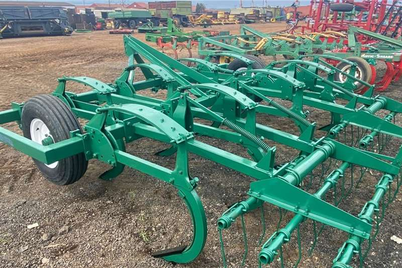 Rovic Ploughs Rovic DLB 9 Tyne Plough Tillage equipment