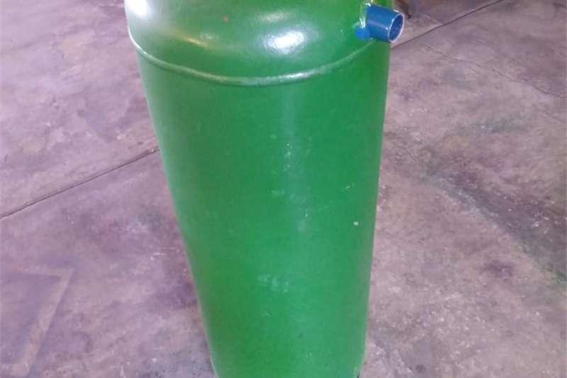 Seeds fertilisers and chemicals Fertilisers 120L Vertiliser Tanks