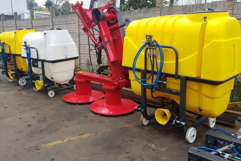 Sprayer Sprayers and spraying equipment Boom sprayers BADILLI 600  800L mounted sprayrig  12 M boom 2019