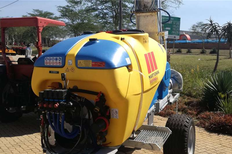 Sprayer Trailed sprayers Martignani Major 1500lt Spraying equipment