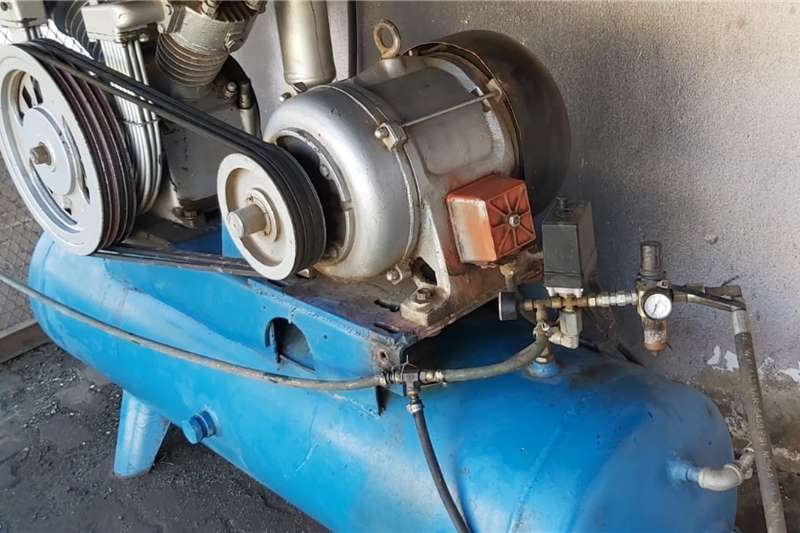Spraying equipment Air Compressor 500 L 2009