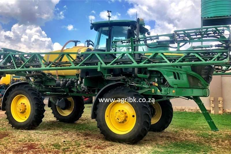 Self-Propelled sprayers John Deere R4023 Wide Spraying equipment