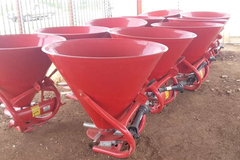 3 point spreaders Brand new 600 ltr Fertilizer Spreaders Spreaders
