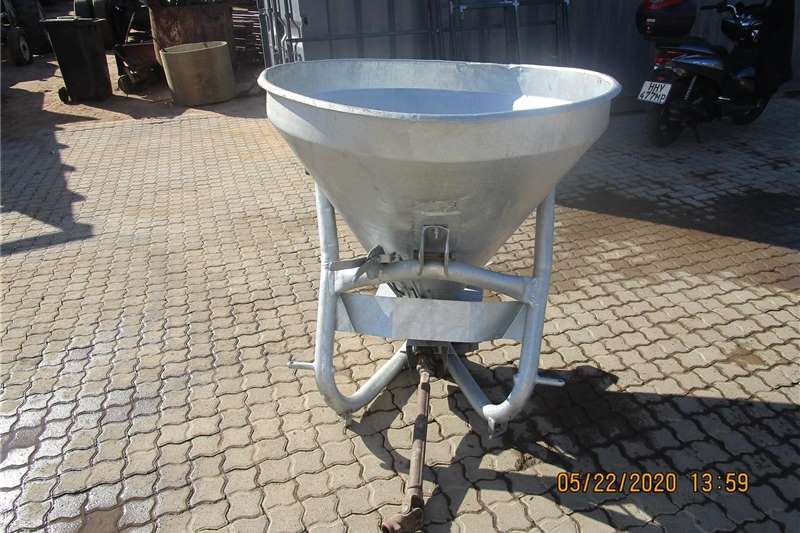Spreaders Fertiliser  FERTILIZER SPREADER FOR SALE