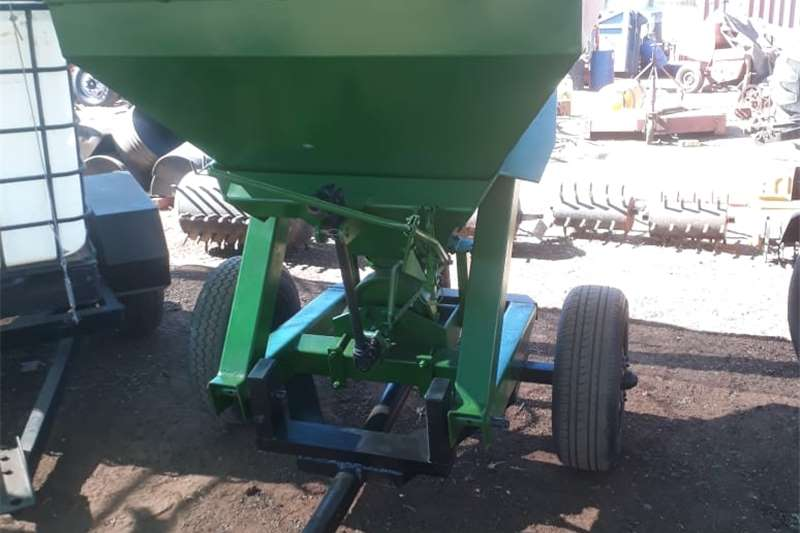 Spreaders Fertiliser  fertilizer spreader