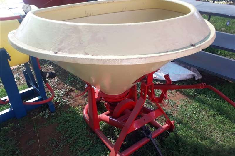 Spreaders Fertiliser  refurbished fertilizer spreader