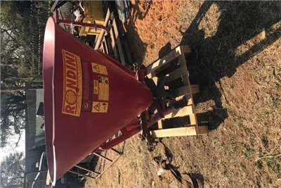 Spreaders Fertiliser Spreader Rondini Quad Kunsmis strooier