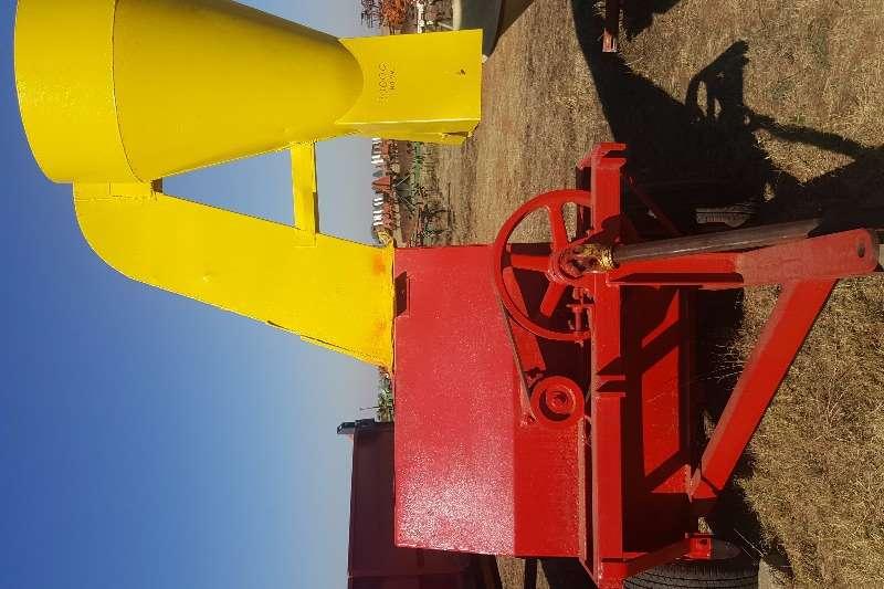 Staalmeester Hammer mills PTO drive hammer mills Drotsky Hammermill PC24 on wheels