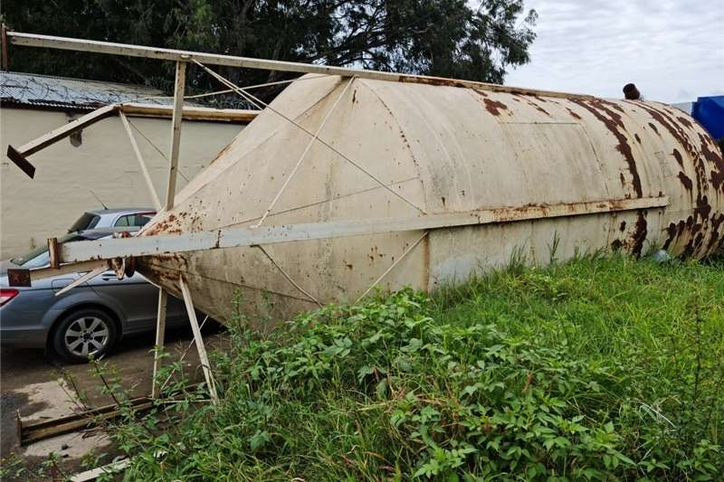 Silos 30 To 40 t  for sale in Bergville, KZN Structures and dams