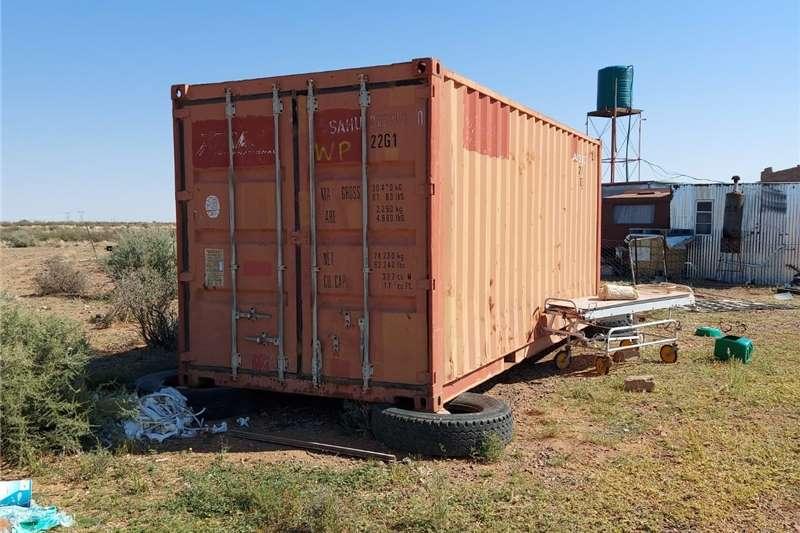 Storage solutions Container/ Vraghouer te verkoop   3m x 6m   op Ken Structures and dams
