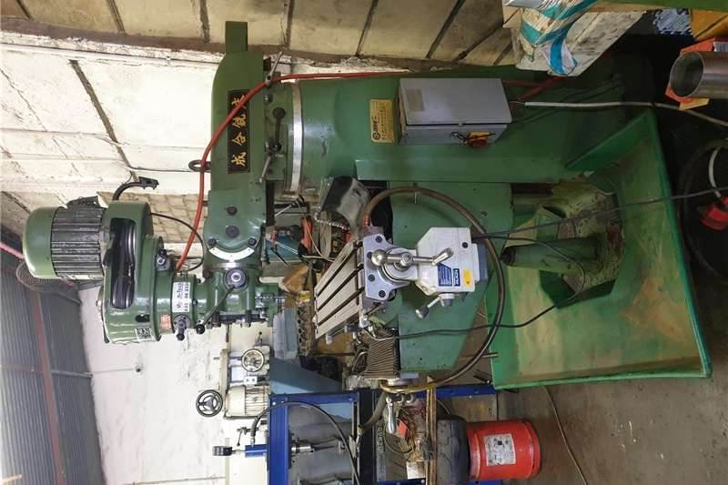 Technology and power Milling machine