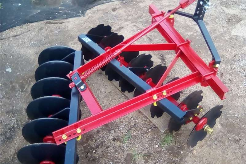 Tillage equipment Cultivators 16 disc harrow , 16 skottel dis