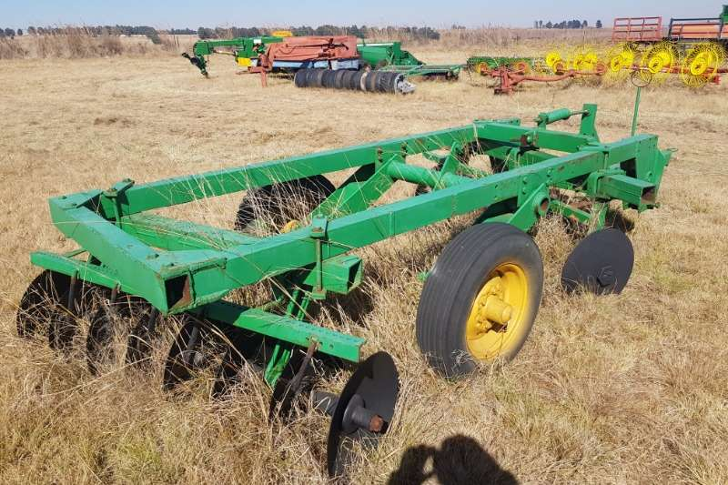 Tillage equipment Cultivators 8x8 16 offset hydraulic disc harrow