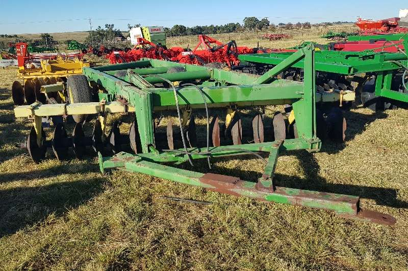 Tillage equipment Cultivators Gc Tillage,Agromaster,J.D,+ 20 hyd discs